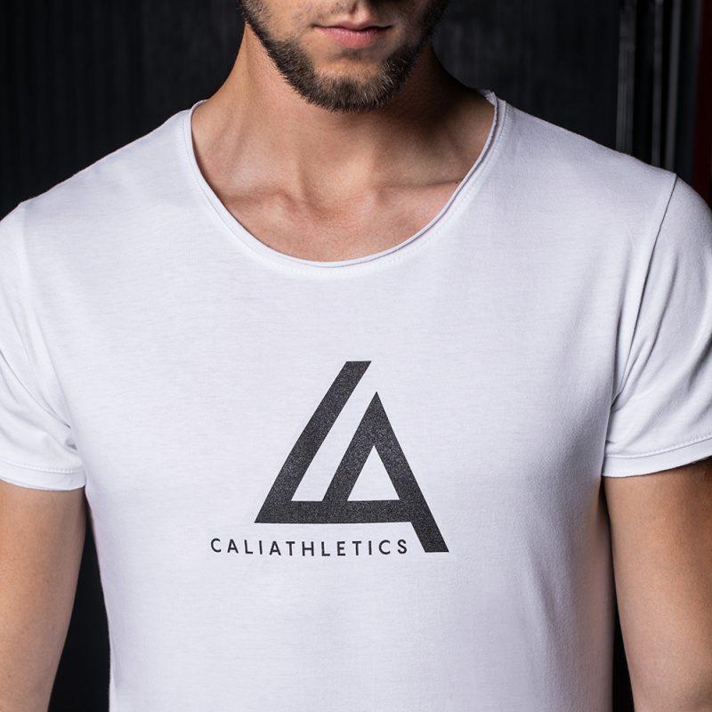 T-SHIRT SLIM FIT CALIATHLETICS duże logo biały 2 3